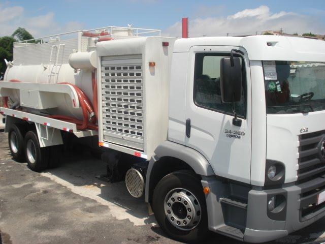 Caminhão Auto Vácuo – solução para otimizar seu serviço de sucção